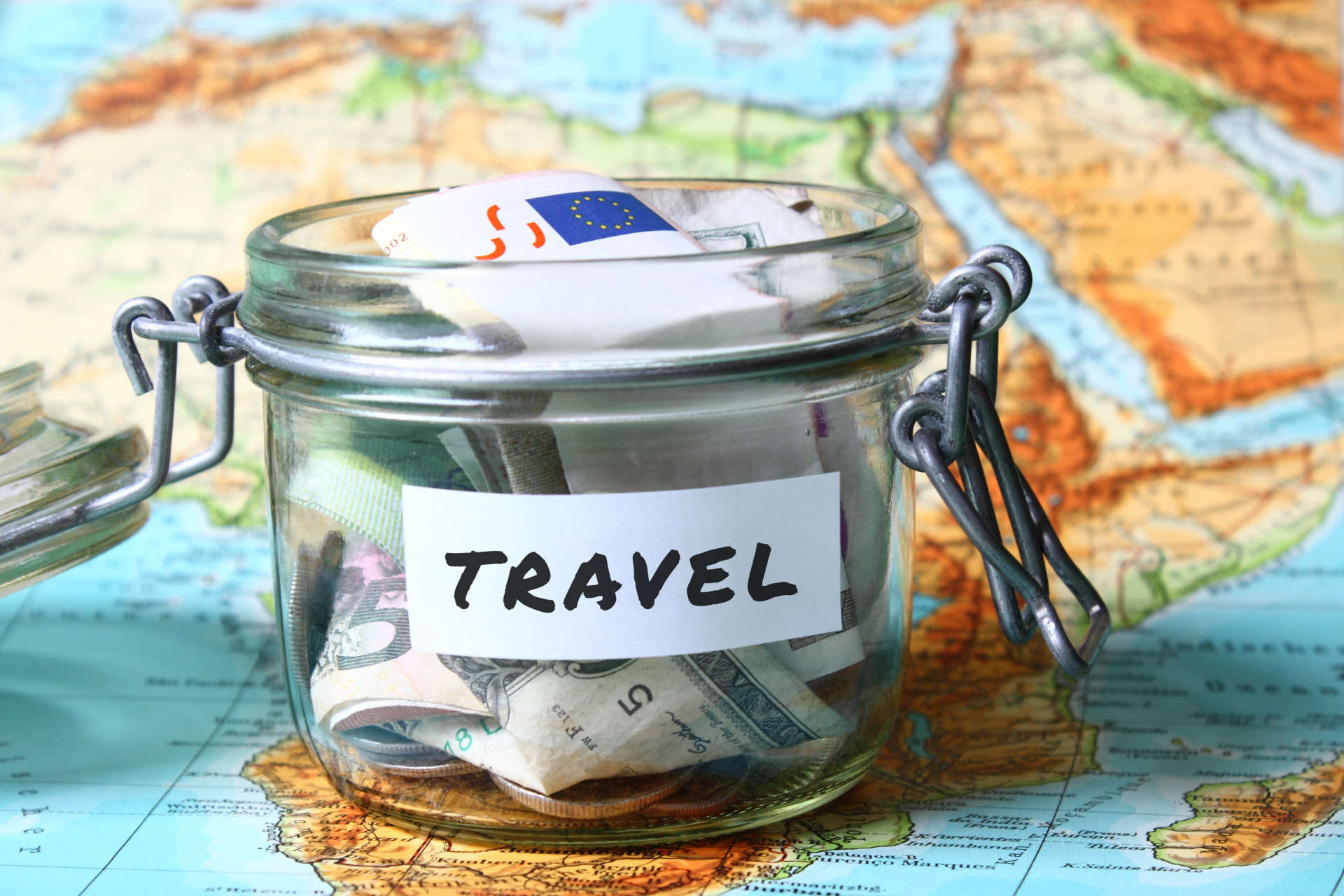 Top Money Saving Tips And Tricks While Traveling